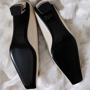 Roger Vivier Shoes - Roger Vivier Belle Vivier Graphic Leather Pumps